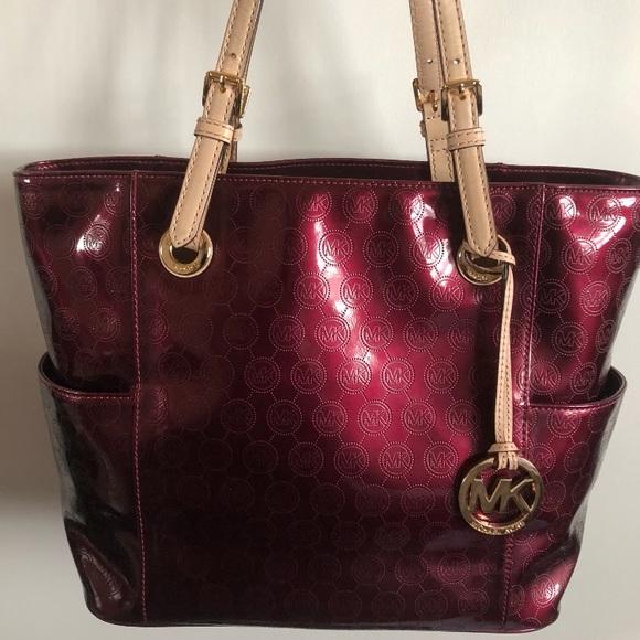 d648b480f5e8 Michael Kors Bags | Bordeaux Handbag Worn Twice | Poshmark